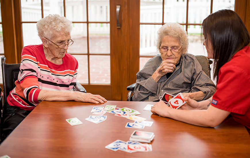 Lake Pointe residents playing cards
